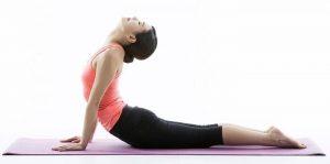 Postur tubuh — jaga punggung tetap lurus